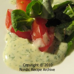 Summer salad with creamy lemon and dill dressing